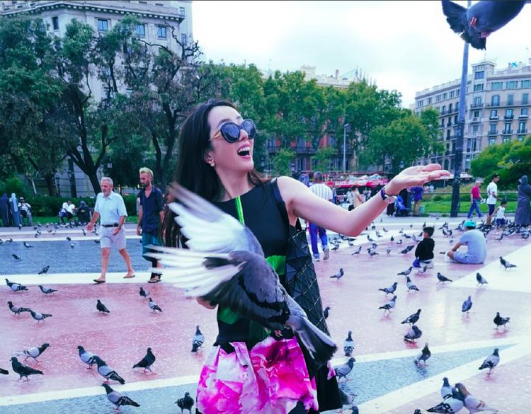 李思思 老公 才女 游客 鸽子 央视 消瘦 节日 牛郎 感恩 美好生活 日子 爱妻 俏皮 婚姻生活 ...