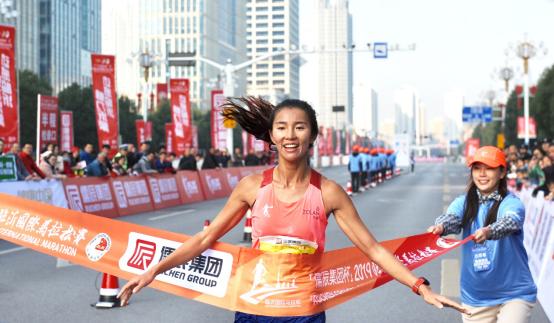 2019临沂国际马拉松成功举办 焦安静获女子半马冠军