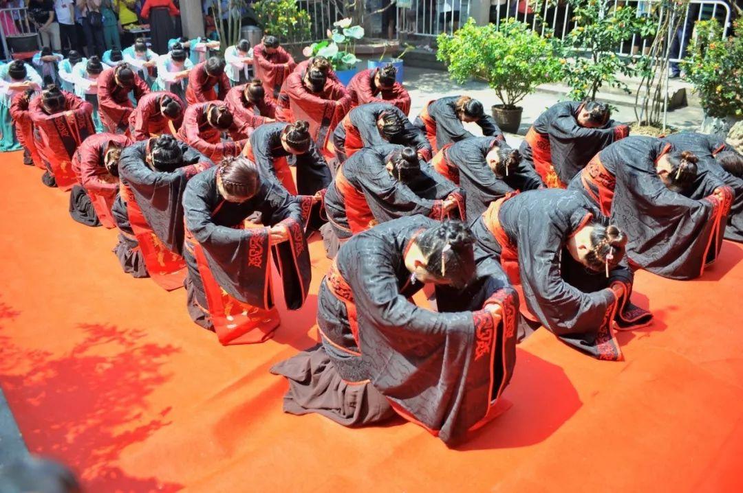 今晚这儿放河灯!中元节节庆来了:晚会、阛阓、潮墟、汉服巡游……