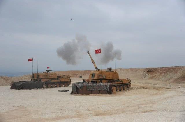 坦克在冒烟