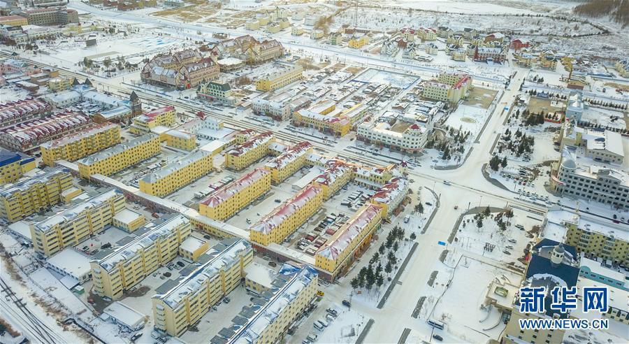 11月21日,无人机拍摄的阿尔山大都市景色