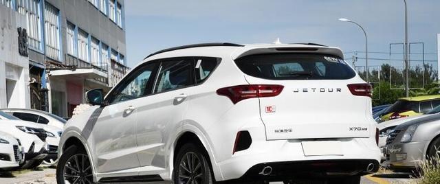 7万起售的中型SUV 标配液晶仪表和10英寸大屏 1.5T国六排放 香吗