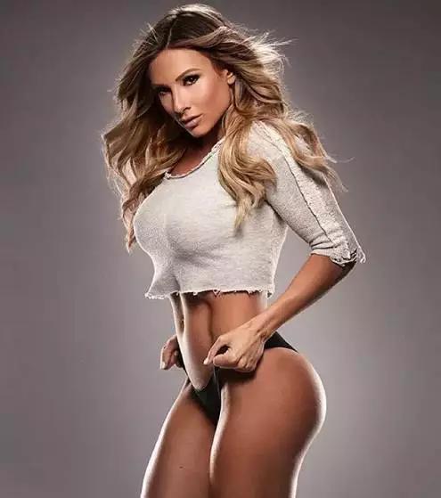 谁说好女不过百?来看120斤的女孩有多性感!