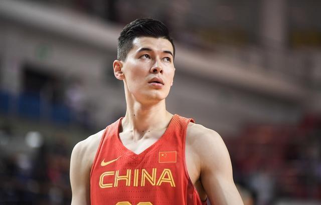 0分0篮板0助攻!中国字母哥世界杯被弃用,他已经失去李楠信任