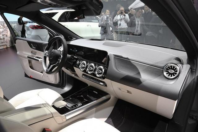 新能源车 奔驰 m8