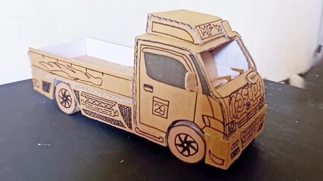 纸板玩具diy,手工制作车厢可伸展的大货车,真的很好玩