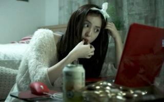 日本小兵去慰安所,找了一个漂亮的女人,v小兵自己的竟《豆瓣》黑客电影图片