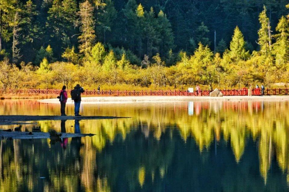 10月最佳旅行地榜单:这些地方的颜值要逆天了!