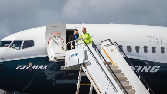 """赶进度,控成本 细数波音飞机安全隐患背后的"""""""