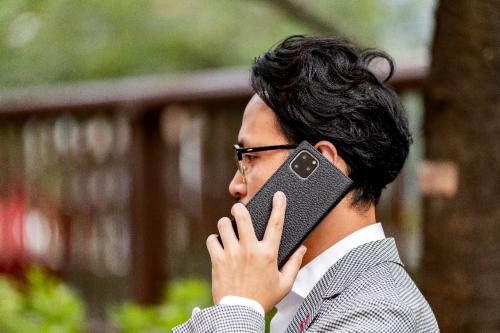 GRAMAS系列| 商务人士的智能手机壳长这样