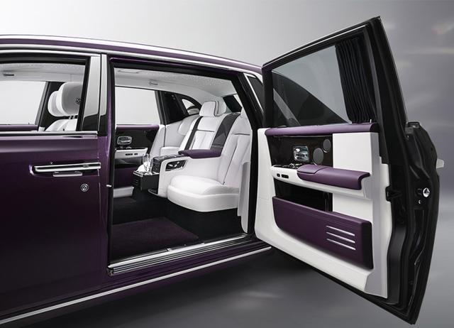 同级唯一采用对开门设计车型,车长超5米,3.0T配6AT带四驱