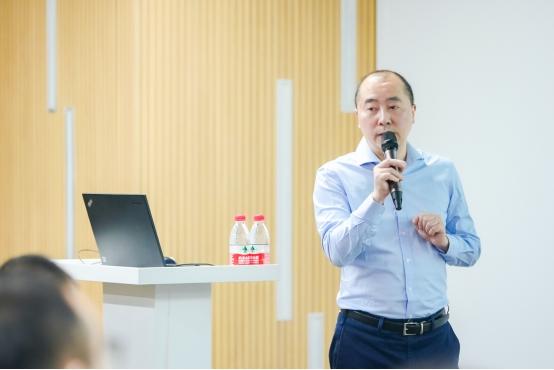上海公兴搬迁  企业在转型期该如何实现蜕变?厦门火炬创业成