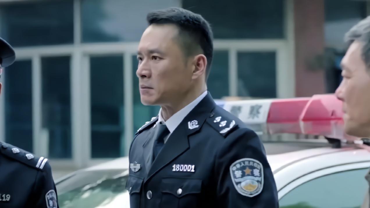 人民的名义:赵东来为了给一辆警车开路,直接让交通瘫痪18分钟