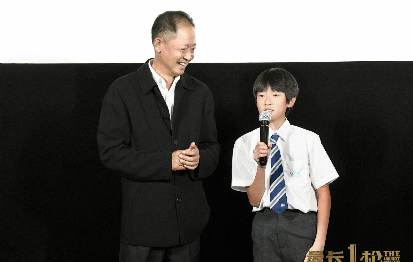口碑老戏骨王志文,现场亲身指导儿子演戏,父子同框首映赚足期待
