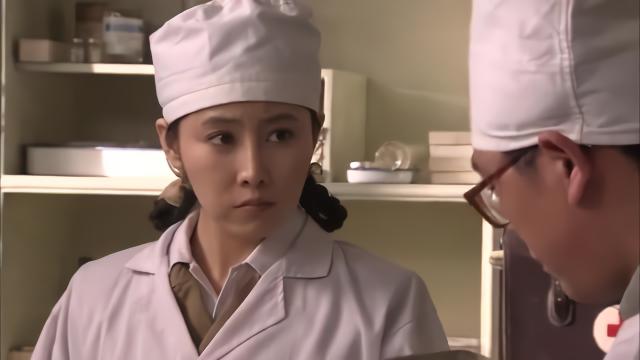 厨师偷偷给医生倒干贝肉汤,医生察觉不对劲,又不知道为什么