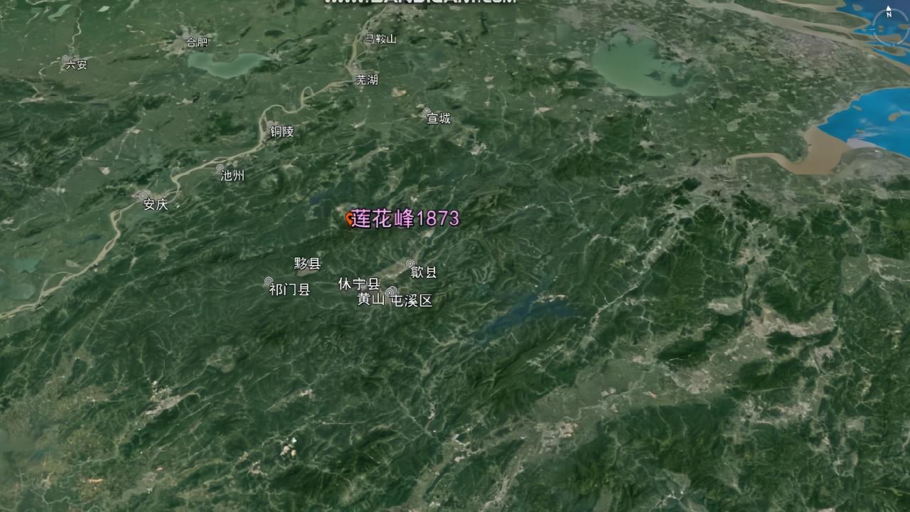 3d地图看山东六大山峰,泰山最高,生在海边的崂山看起来也很威武