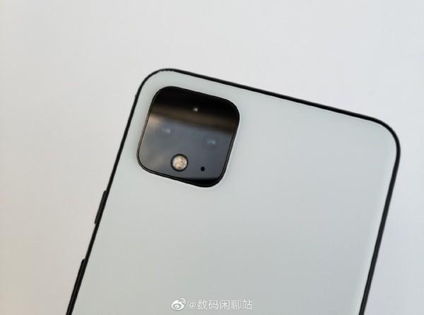 谷歌Pixel4 XL真机曝光 外观有点特别/后置浴霸三摄