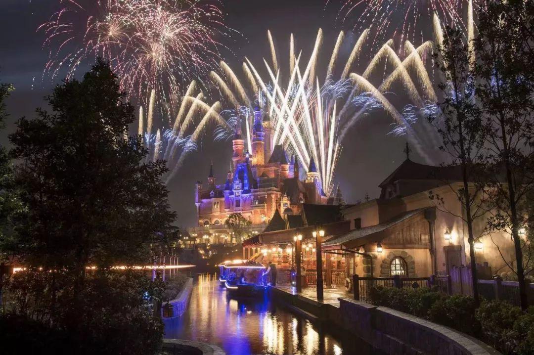 迪士尼为禁零食强搜游客背包,谁