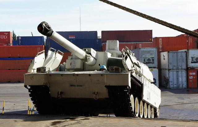 以色列狂轰滥炸未见成效,三枚导弹飞向以军车队