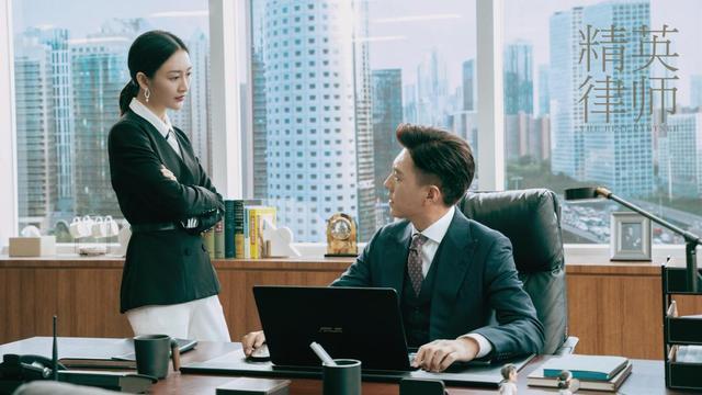 靳东《精英律师》即将上线,单看剧照就很让人期待,网友:必追图片