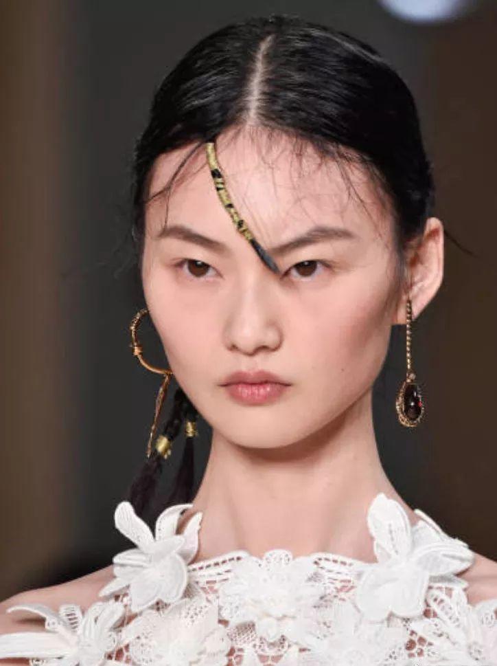 没有刘雯的时装show让人遗憾,但她们告诉你国模时代真