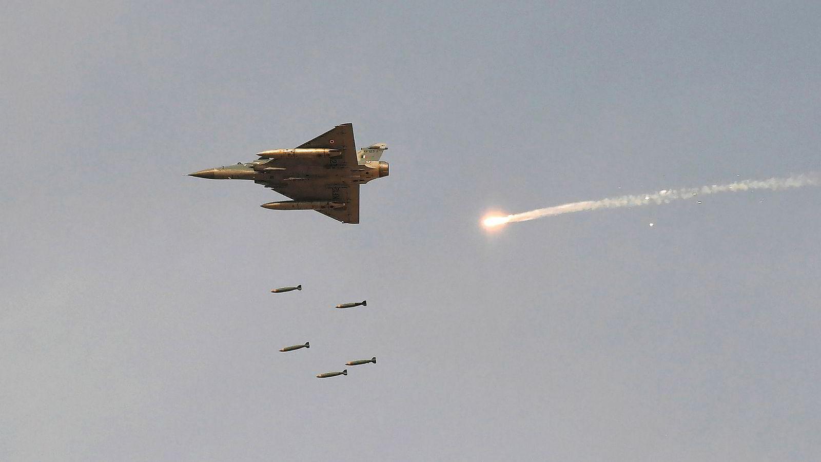 俄空军基地被毁 印度空军司令放狠话:只等一声令下,将摧毁40个巴基斯坦基地
