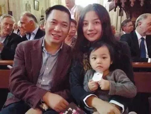 """从苦命的""""陆依萍""""到抢手的综艺咖,""""富豪""""赵薇开挂的19年"""