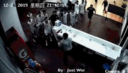 天津篮协就小球员打人事件致歉:主帅停职,全队纪律整顿