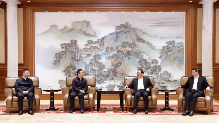 李强应勇会见魏树旺率领的遵义党政代表团