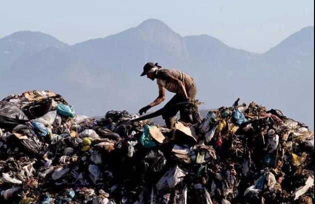 """垃圾分类为什么重要?你需要相识这种""""文明副产物"""""""