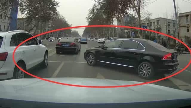 """道路上的4大""""恶臭""""开车行为,占了3个以上,那真是没素质"""