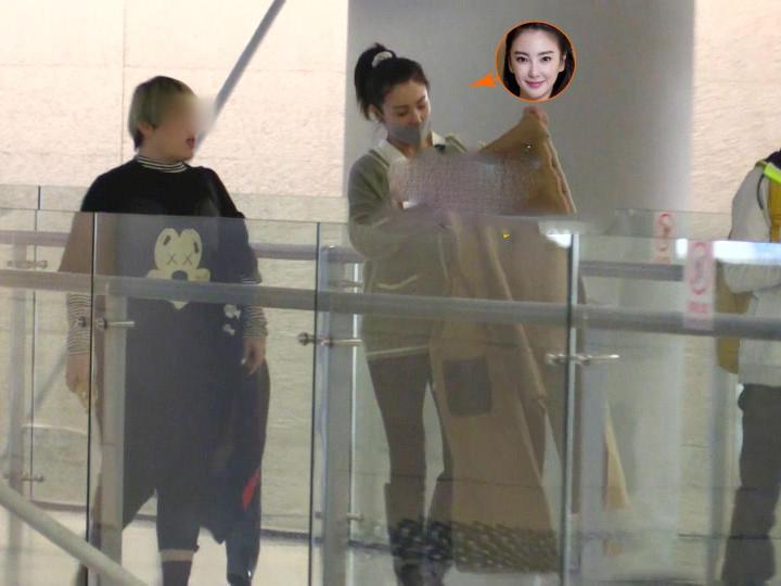张雨绮飞上海心急如焚会男友,张钱豪接机还买了礼物?