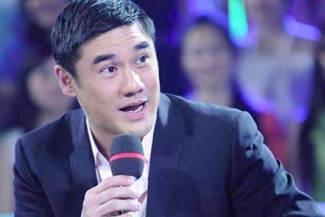 52岁前央视主持吴大维自曝去年结婚,妻子相貌清秀个性强