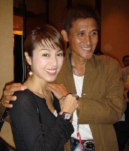 徐小凤和米雪同框,一个离婚后单身40年,一个因男友病逝终身不嫁