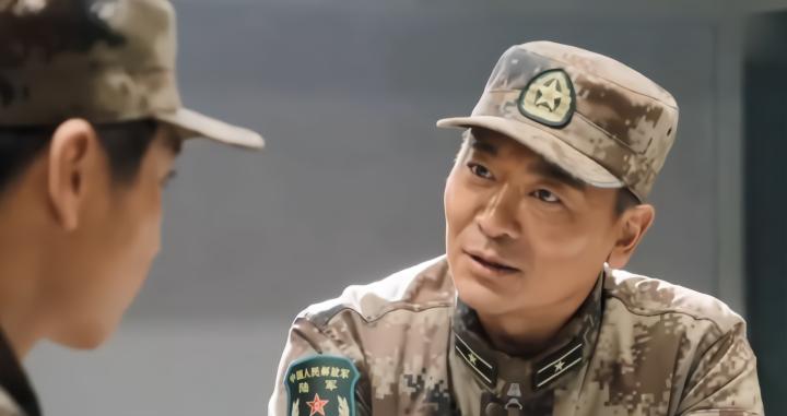 陆战之王:新兵小看班长,别说英语说外语,谁知对方法语更厉害