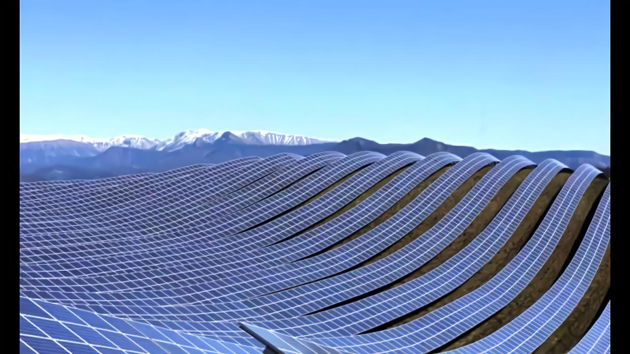 法国的太阳能,漫山遍野都铺满了