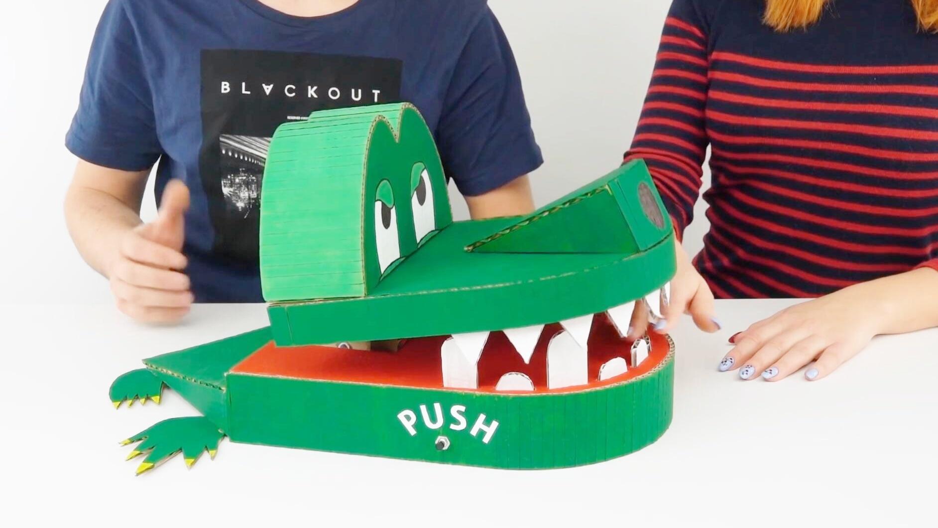 用纸板手工制作微型拖拉机,动手能力强悍,脑洞大开!