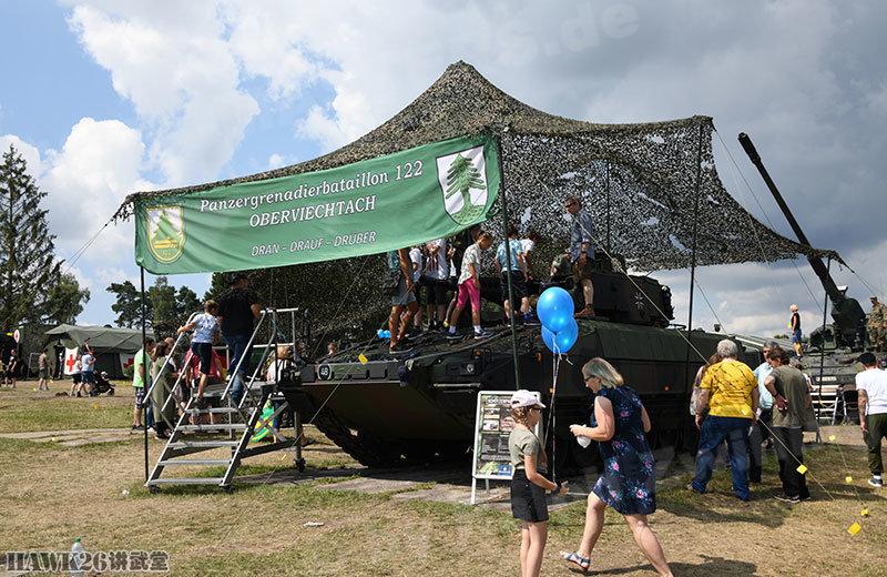 格拉芬沃尔狂欢节开幕 美德两国