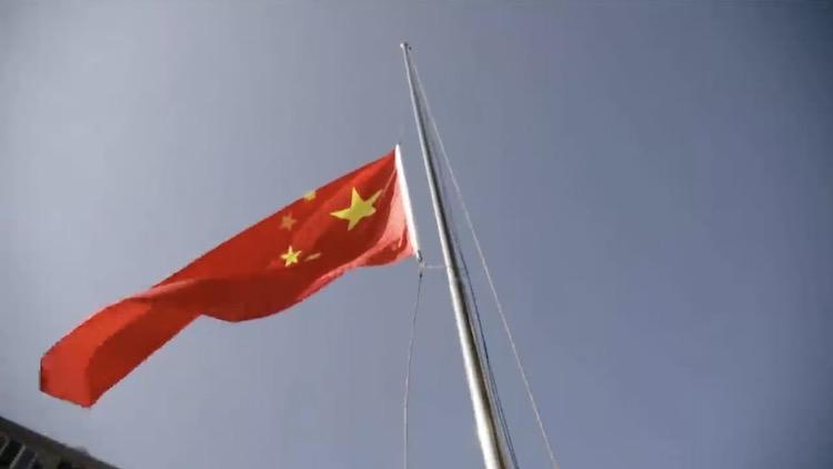 风雨无阻!这老两口每天升国旗坚持14年…