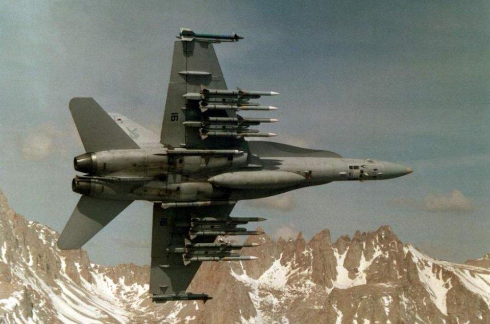 美国空空导弹尺寸最小打得最远?那是虚假广告