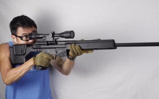 日本玩具版h&k psg-1突击步枪,采用bb弹供弹射击测试