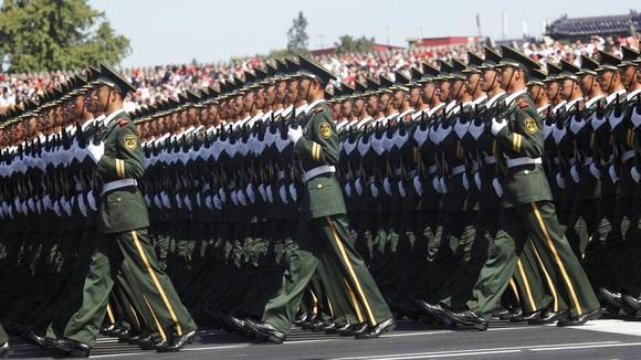 中国阅兵视频在国外火了,媲美好莱坞特效,彻底震撼了外国人
