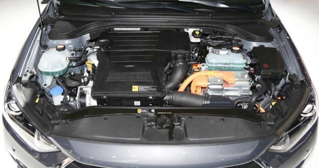 让卡罗拉紧张的混动车型,6速双离合配1.6L混动系统,续航1037km
