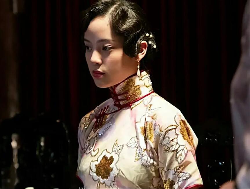 欧阳娜娜的旗袍造型OK吗?