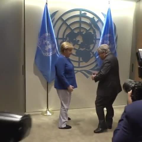 联合国秘书长古铁雷斯在联合国总部欢迎德国总理默克尔