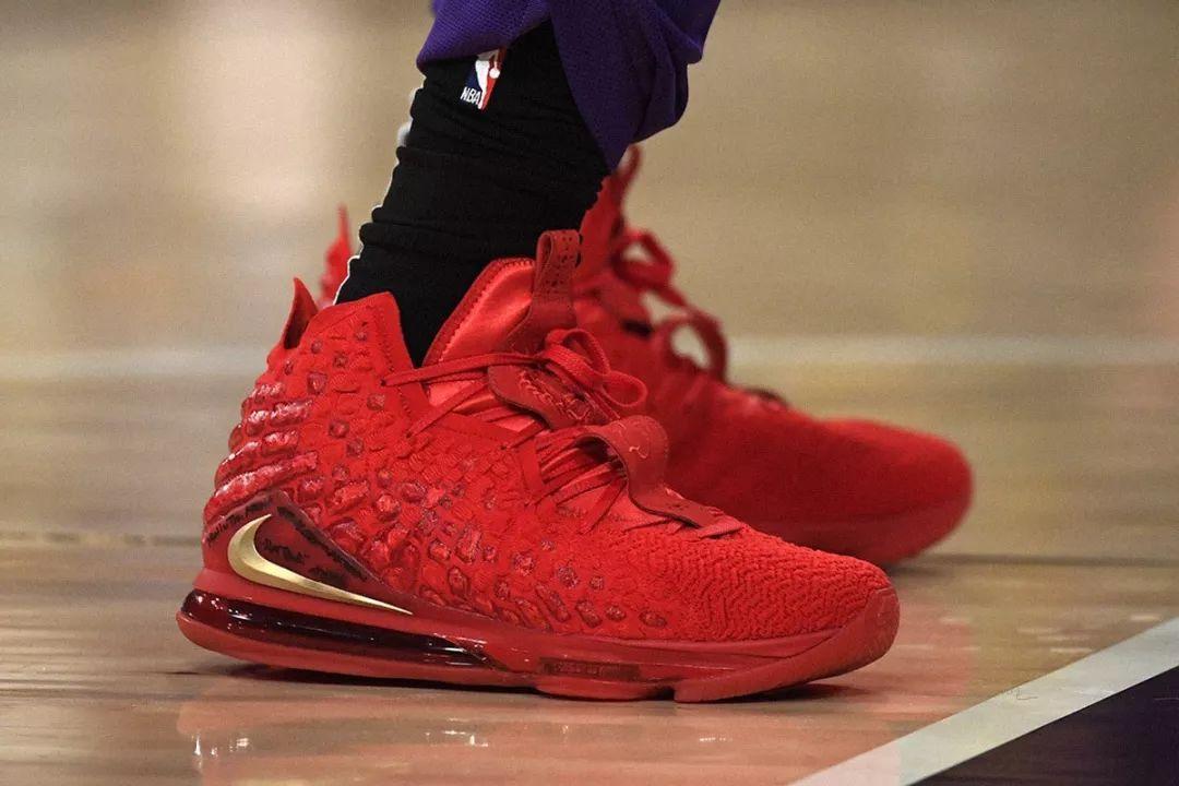NIKE、adidas(阿迪达斯)、PUMA抗争,安踏入榜,NBA今年最佳球鞋是?!