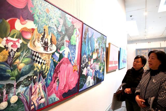 """""""情暖冬日"""",来广美大学城美术馆看师生作品展吧"""