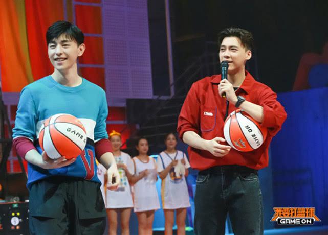 李易峰 邓伦 声明 理性 联合声明 粉丝 娱乐圈 两人 我要打篮球 节目组 裁判 小生 综艺节目 恋情 节目 追星