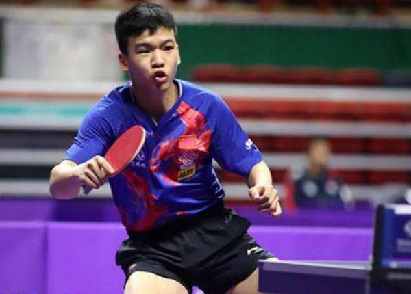 3横扫一轮游 16岁的他曾击败樊振东