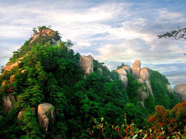 """江西·大茅山风景区坐落在上饶市德兴市境内,主峰海拔1394米,古有"""""""